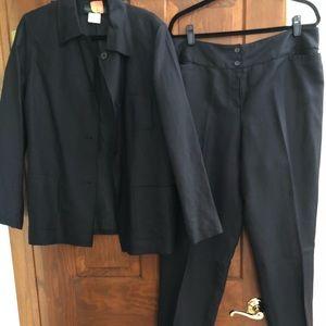 Harve Benard size 16 black linen pant suit